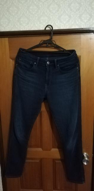 下の画像が「EZYジーンズの紺」です。