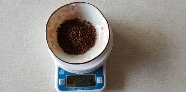 インスタントコーヒー(3g)を使います