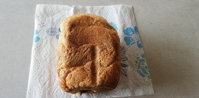パンの色が「インスタントコーヒー」の色で黒っぽくなった以外に、外からの見た目の変化はありません。