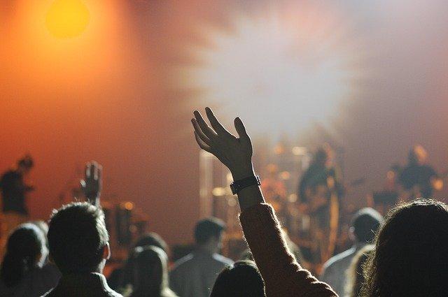 男性・女性でも一人で没頭できるインドアな趣味の音楽鑑賞