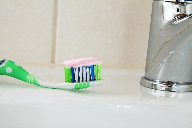 【オーラルケア】タフト24歯ブラシ