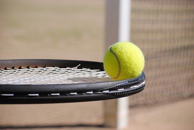 等身大のソフトテニス青春アニメ!みなそれぞれ悩みを抱えている?