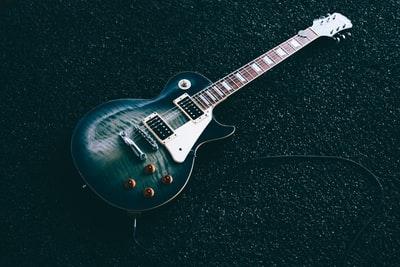 カッコイイギタリスト!日本・海外のロックギタリスト!