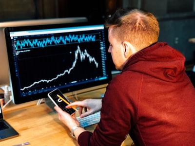 日経平均株価下落でも儲かるETFを紹介!【初心者】取り扱い注意!