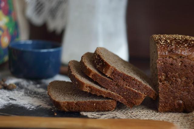 ホームベーカリーで作る全粒粉100%食パンの材料費!