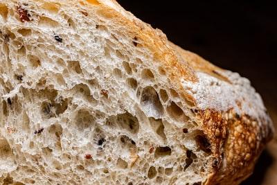 ホームベーカリーのパンが膨らまない原因!ここを確認しましょう!
