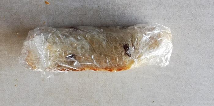 焼いたパンの冷凍方法ラップで包む