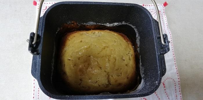 バナナケーキを冷ましています。