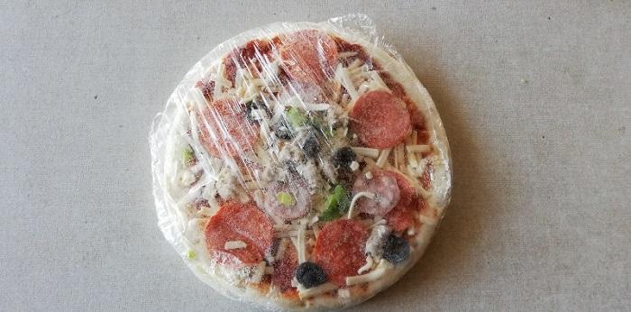 トロナのペパロニピザの冷凍状態