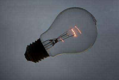 LED電球のみの照明に変えた!