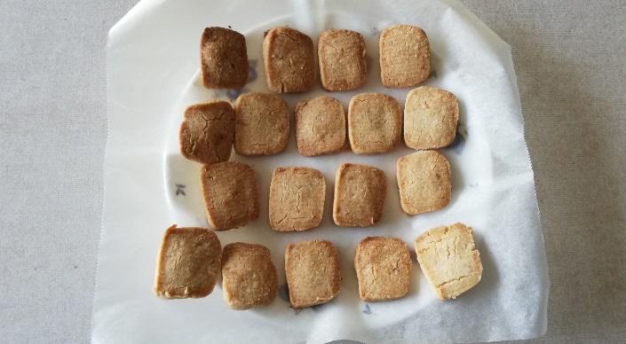 ちんすこうに「きび砂糖」を使いトースターで焼いてみた!