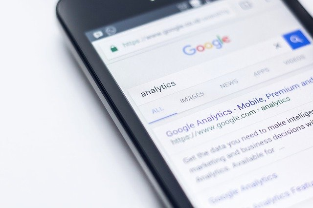 ホーム画面の左ページに表示されるGoogleニュースの消し方!デジタル断捨離にどうぞ!