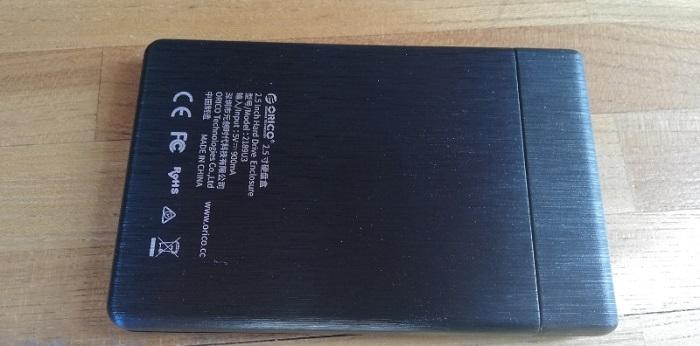 ORICO外付けHDD/SSDケース本体裏