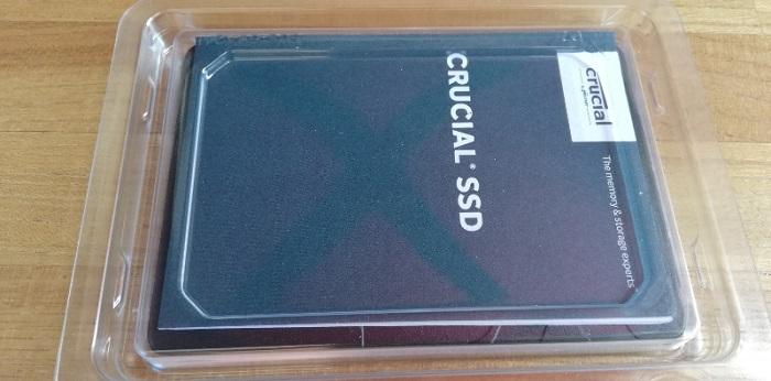 Crucial SSD BX500 240GBを開封