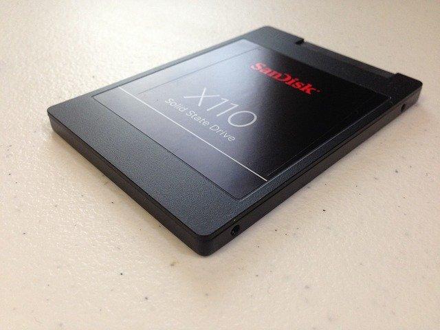 LENOVO ideapad330のHDDからSSDに交換までの手順!