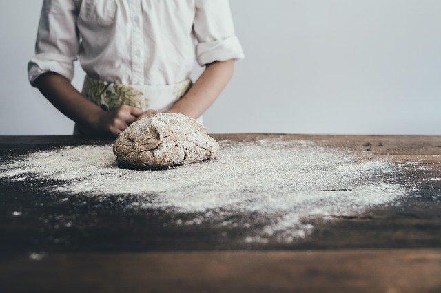 ホームベーカリーでパンが膨らまない?ドライイーストに原因がある?
